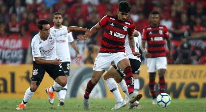 911120efe5 Flamengo e Corinthians empatam 1º jogo da semifinal da Copa do ...