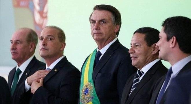 Edições do Diário Oficial do dia 1º de janeiro e do dia 2 trouxeram diversas mudanças do novo governo de Jair Bolsonaro (PSL), que assumiu a Presidência