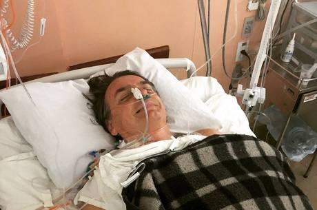 Bolsonaro está internado desde a última quinta-feira