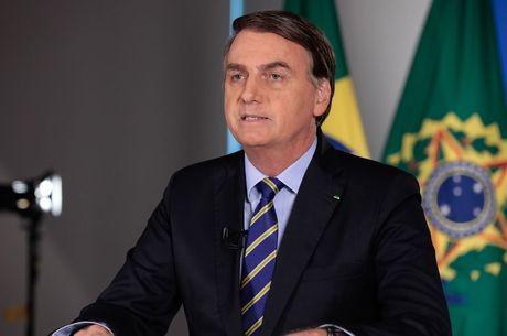 """Bolsonaro: """"Vírus e desemprego devem ser tratados"""""""