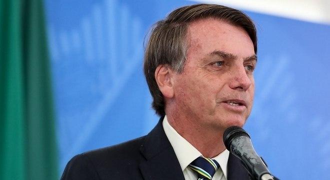 Bolsonaro firmou acordo com indústria para adiar reajuste de medicamentos