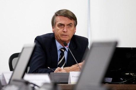 Bolsonaro dispensa vistos a turistas dos EUA e Japão