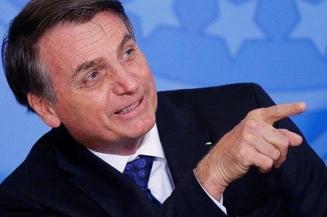 Bolsonaro quer regras brandas de transição dos policiais