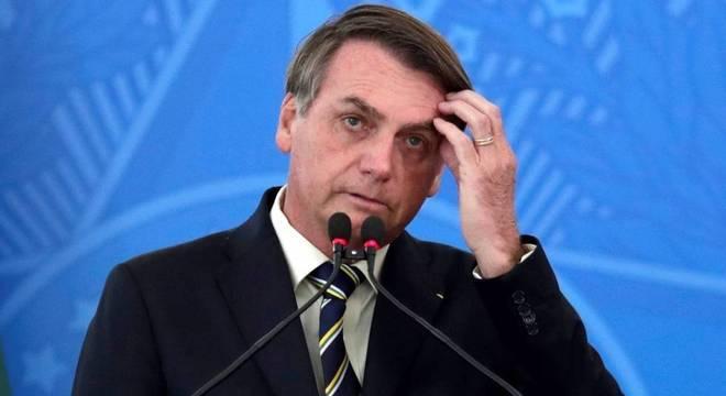Bolsonaro também propõe responsabilizar diretoria do BC por dolo e fraude