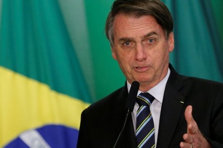 Bolsonaro acaba com monopólio de armas no Brasil