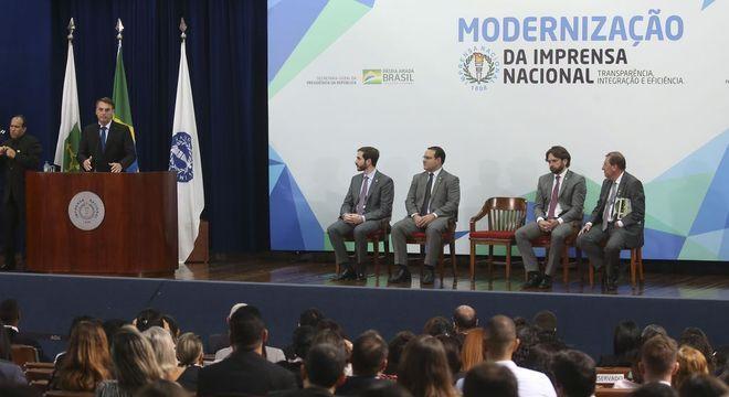 Jair Bolsonaro parabenizou os servidores da Imprensa Nacional