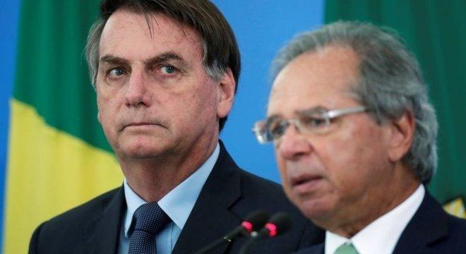 Nem mesmo o ex-assessor de Trump, Steve Bannon, guru dos Bolsonaro, é a favor da estratégia defendida pelo presidente brasileiro