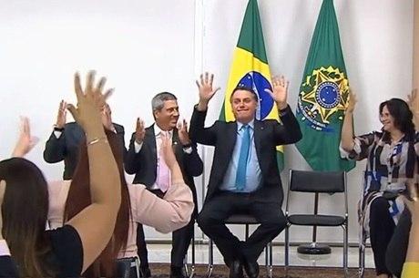 Bolsonaro participa do lançamento da PNEE