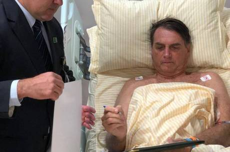 Bolsonaro segue internado no Albert Einstein, em SP