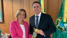 Bolsonaro rebate críticas por ter recebido alemã de extrema direita