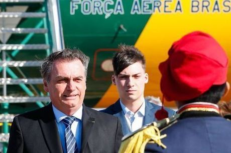 Filho 04 de Bolsonaro, Jair Renan, cogita entra para a política