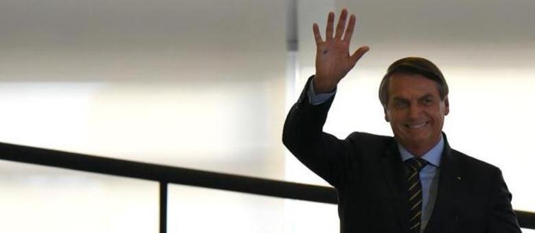 Bolsonaro encerra primeiro ano de mandato olhando a oposição pelo retrovisor