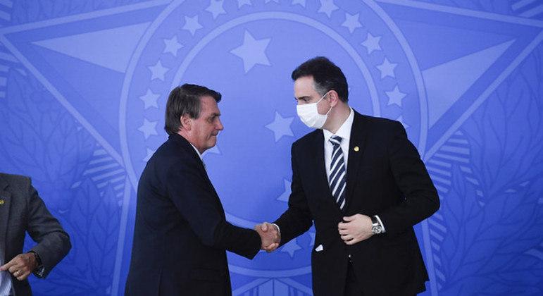 Bolsonaro se encontraria com Pacheco nesta quarta-feira (14), mas passou mal e foi internado