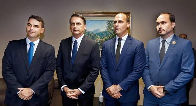 Sem Aliança pelo Brasil, Bolsonaro cogita se filiar a partido para 22