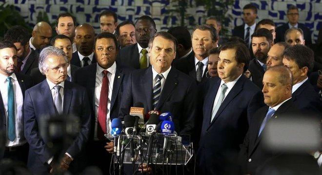 Bolsonaro foi à Câmara entregar projeto altera o Código de Trânsito Brasileiro