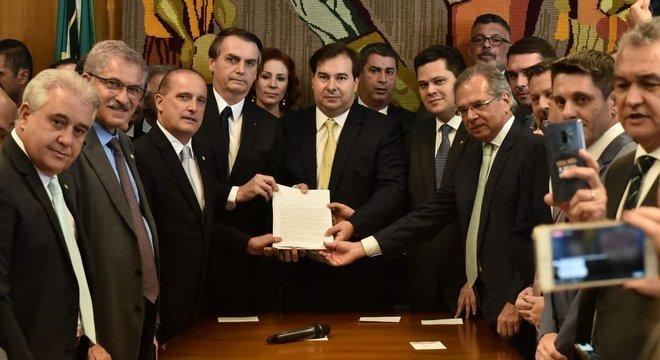 Presidente Jair Bolsonaro entrega no Congresso projeto de reforma da Previdência
