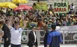 O resultado foi uma manifestação surpreendente em meio aos primeiros avanços da pandemia do novo coronavírus no Brasil. Mesmo depois de ter tido contato com caso positivo da doença, o presidente ignorou recomendações sanitárias e participou do protesto, o que gerou protestos de diversos representantes do Congresso