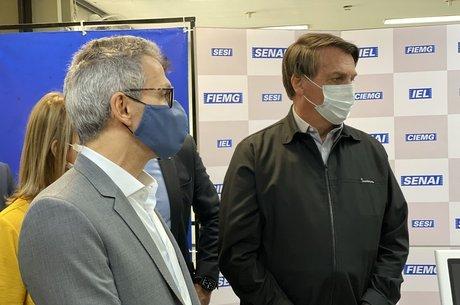 Bolsonaro e Zema reinauguram alto forno