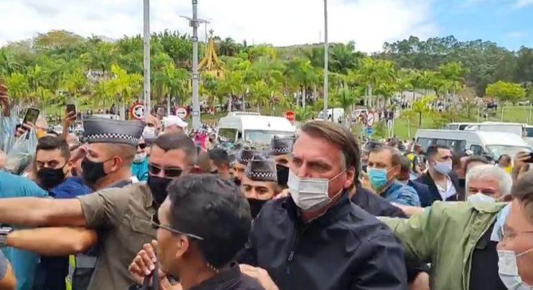 Presidente Jair Bolsonaro visita Aparecida