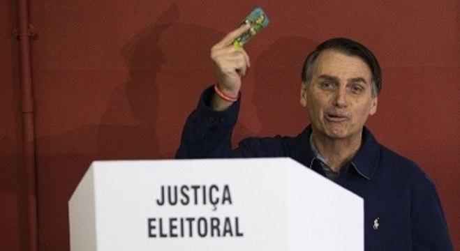 Bolsonaro tem que vencer as Eleições de 2022 para seguir no cargo
