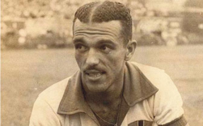 JAIR ROSA PINTO marcou 22 gols pela Seleção Brasileira. Nove deles foram no Sul-Americano de 1949. Ainda foi da equipe que disputou o Mundial de 1950.