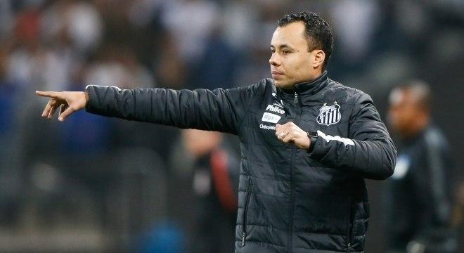 Jair Ventura, que dirigiu o Santos, é o novo técnico do Corinthians