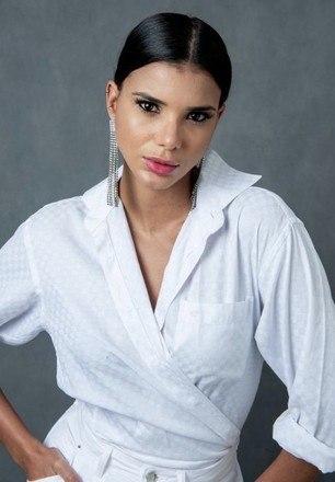 Antes mesmo de entrar para o time de peões,Jakelyne Oliveira e sua equipe já trabalhavam em uma mudança de estilo. Afinal, a modelo foi Miss Brasil em 2013 e, de lá pra cá, muita coisa mudou em sua vida