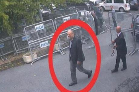 Jamal Khashoggi no consulado saudita, em Istambul