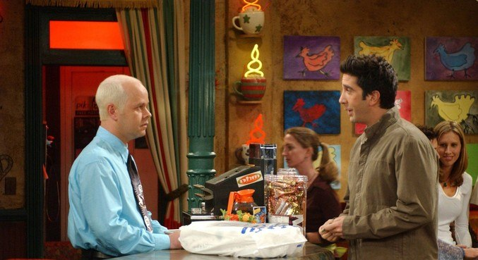 James Michael Tyler (à dir) interpretou Gunther na série Friends