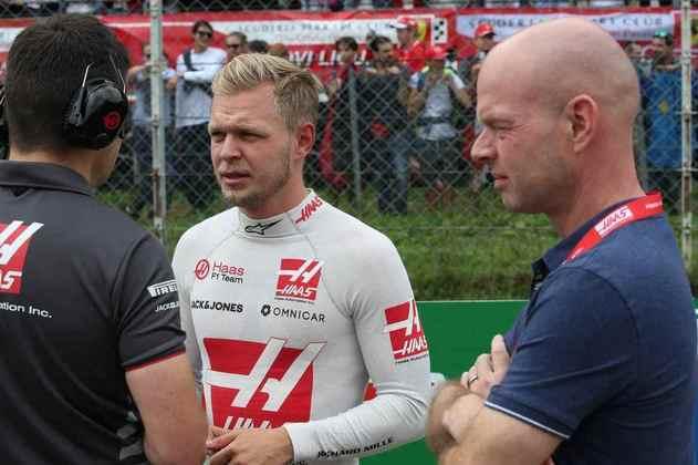 Jan Magnussen (direita) foi uma promessa da F1 que não vingou nos anos 1990. Ele é pai de Kevin, que hoje corre pela Haas na categoria