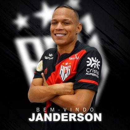 Janderson foi o mais recente empréstimo do Corinthians. O meia-atacante foi cedido ao Atlético-GO até dezembro de 2021, e tem contrato com o Timão até dezembro de 2023.