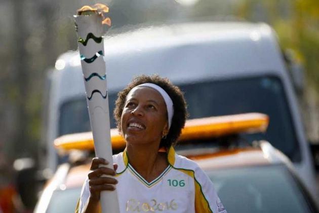 Janete - Participou da melhor geração do basquete feminino brasileiro, prata nos Jogos Olímpicos de Atlanta, em 1996. Todavia, nunca conseguiu uma medalha de ouro no torneio.