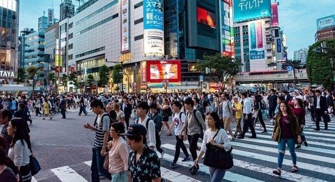 Em 2018, foram registrados 921 mil nascimentos e 1,3 milhão de mortes no Japão