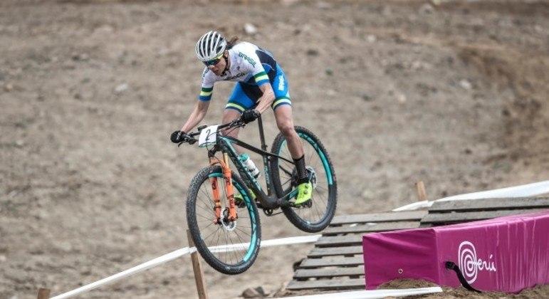 Jaqueline Mourão vai disputar as provas de mountain bike