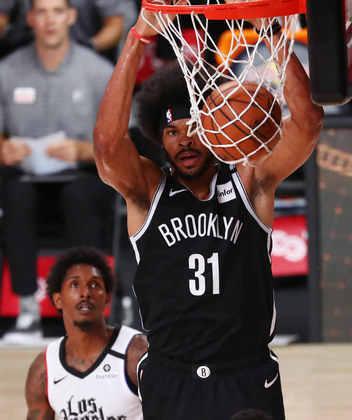 Jarrett Allen (Brooklyn Nets) 6,5 - O pivô obteve um duplo-duplo na derrota para o Toronto Raptors. Allen somou 15 pontos e 12 rebotes, mas cometeu quatro erros de ataque