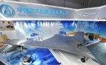 O drone não tripulado estaria em desenvolvimento 'clandestino', quando menções a ele é evitada até em documentos secretos da empresa e do governo do país. Ainda assim, estaria em operação limitada, provavelmente em missões de reconhecimento de grandes altitudes. Segundo o The Drive, é perfeitamente possível que o veículo tenha partido da Base Aérea de GuamVEJA ISSO: Esportivo com influencer grudado na lateral chega a 180 km/h