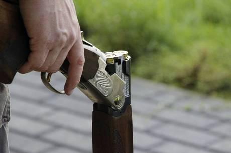Homem atirou em amigo após confundi-lo com javali