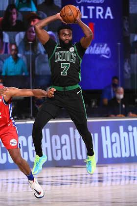 Jaylen Brown (Boston Celtics) 8,0 - O ala-armador obteve 29 pontos, seis rebotes e quatro assistências na vitória do Celtics. O atleta acertou cinco das oito tentativas de três