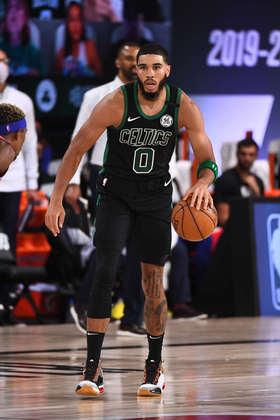 Jayson Tatum (Boston Celtics) 8,5 - Mais uma partida sólida do astro. Tatum obteve 32 pontos, pegou 13 rebotes, bloqueou três arremessos e converteu dez das 11 tentativas do lance livre