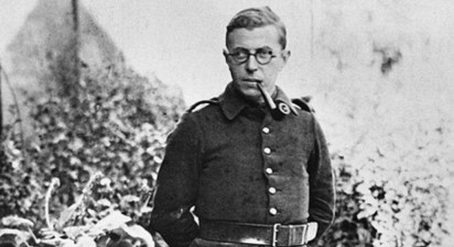 Jean-Paul Sartre (1905-1980) é considerado o fundador do existencialismo