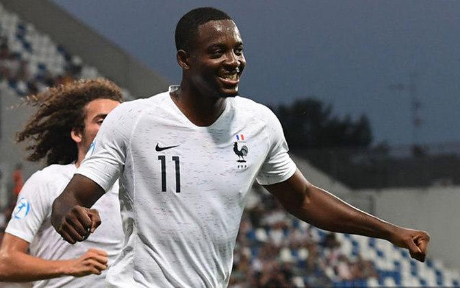 JEAN-PHILIPPE MATETA / FRANÇA - Atacante francês do Mainz 05 completa 24 anos em junho do ano que vem, mas estaria liberado para defender seu país nas Olimpíadas.