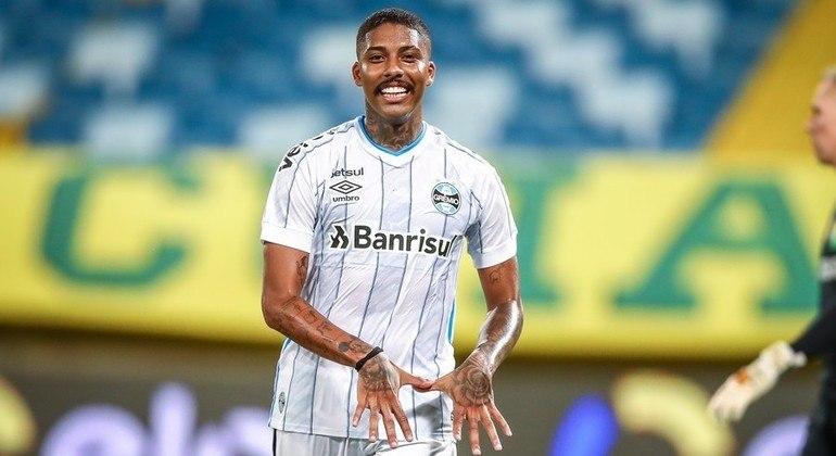 Jean Pyerre vive seu pior momento no Grêmio. Renato quer outro meia-atacante
