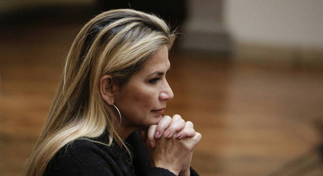 A presidente interina do país, Jeanine Áñez, na última quinta (26), decretou estado de emergência