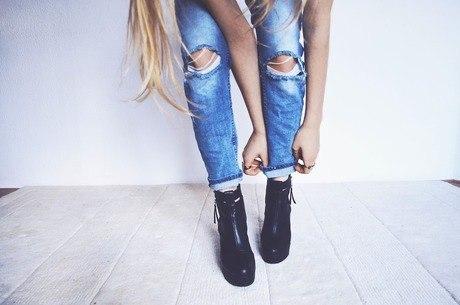 Calça jeans é atemporal e curinga no closet