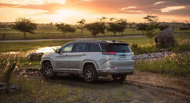 Modelo conta com Jeep Offroad pages de auxílio para trilhas e trechos fora de estrada