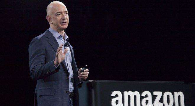 Jeff Bezos, fundador da Amazon, é o homem mais rico do mundo, segundo a Bloomberg