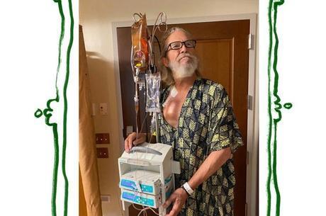 Jeff Bridges mostrou tratamento contra câncer