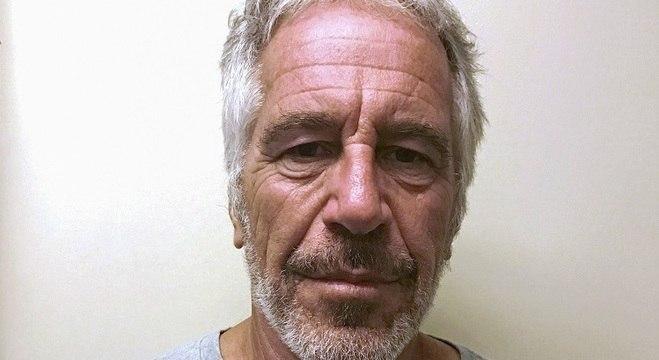 Epstein estava preso acusado de manter rede de exploração sexual de menores