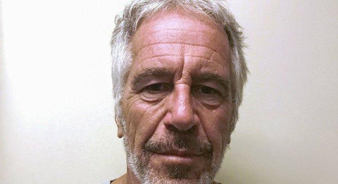 Um juiz americano recusou a oferta de fiança de um milhão de dólares de Epstein, encontrado morto neste sábado
