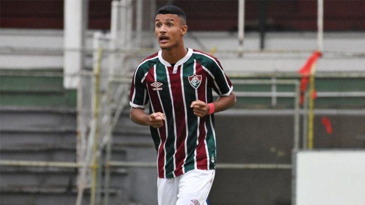 Jefté - 17 anos - lateral-esquerdo - contrato com o Fluminense até 31/12/2025